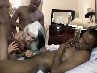 Pleasing The BBC From GILF Pussy iceporn anal big ass big cock